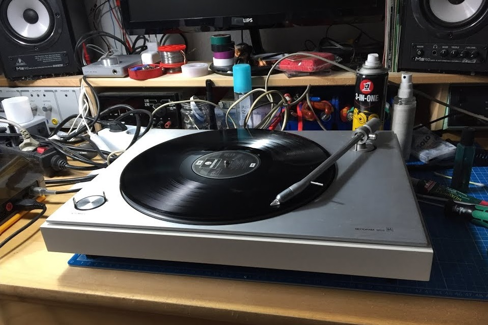 repair record players